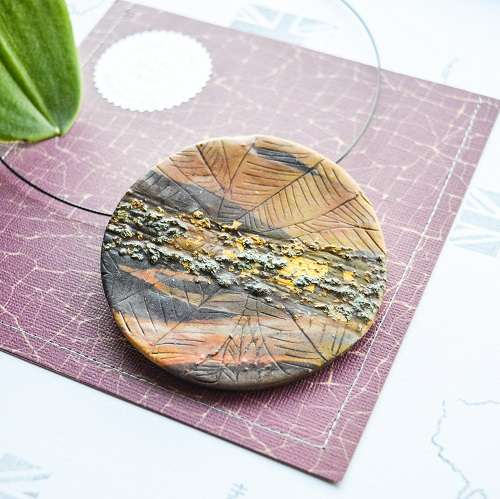 theasmartthenry coco gold crenate leaf disc