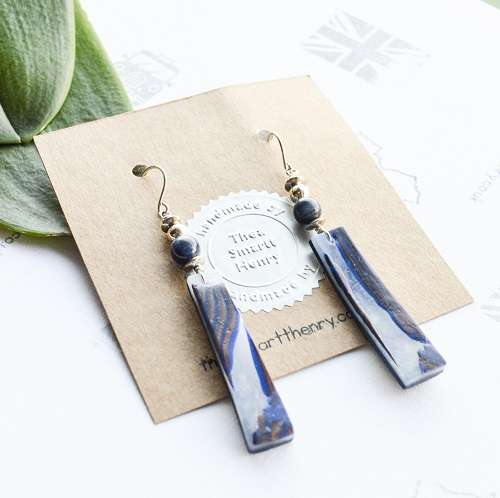 Blue and translucent drop earrings with sodalite