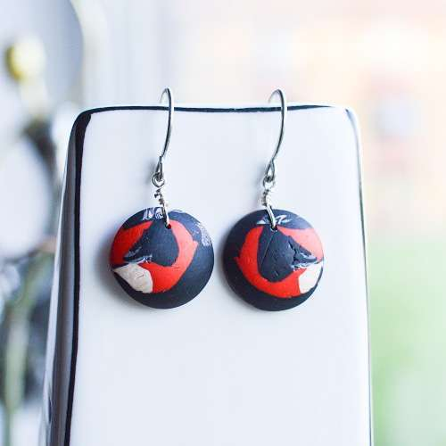 theasmartthenry.co.uk abstract ladybird short drop earrings
