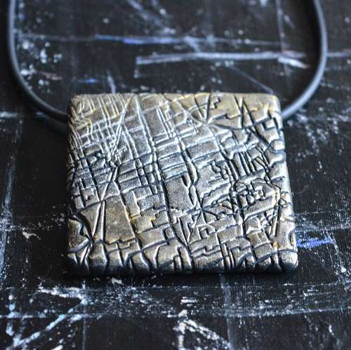 theasmartthenry.co.uk silver and gold textured tile necklace