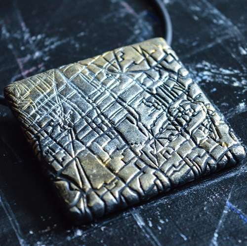 theasmartthenry.co.uk silver and gold textured tile necklace(1)